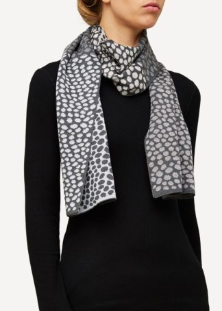 Oleana wool silk scarf with dots assorted colors - Mall of Norway - Norwegian Brands - Accessories / Scarves
